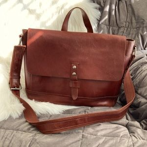 Lucky Brand unisex leather messenger bag